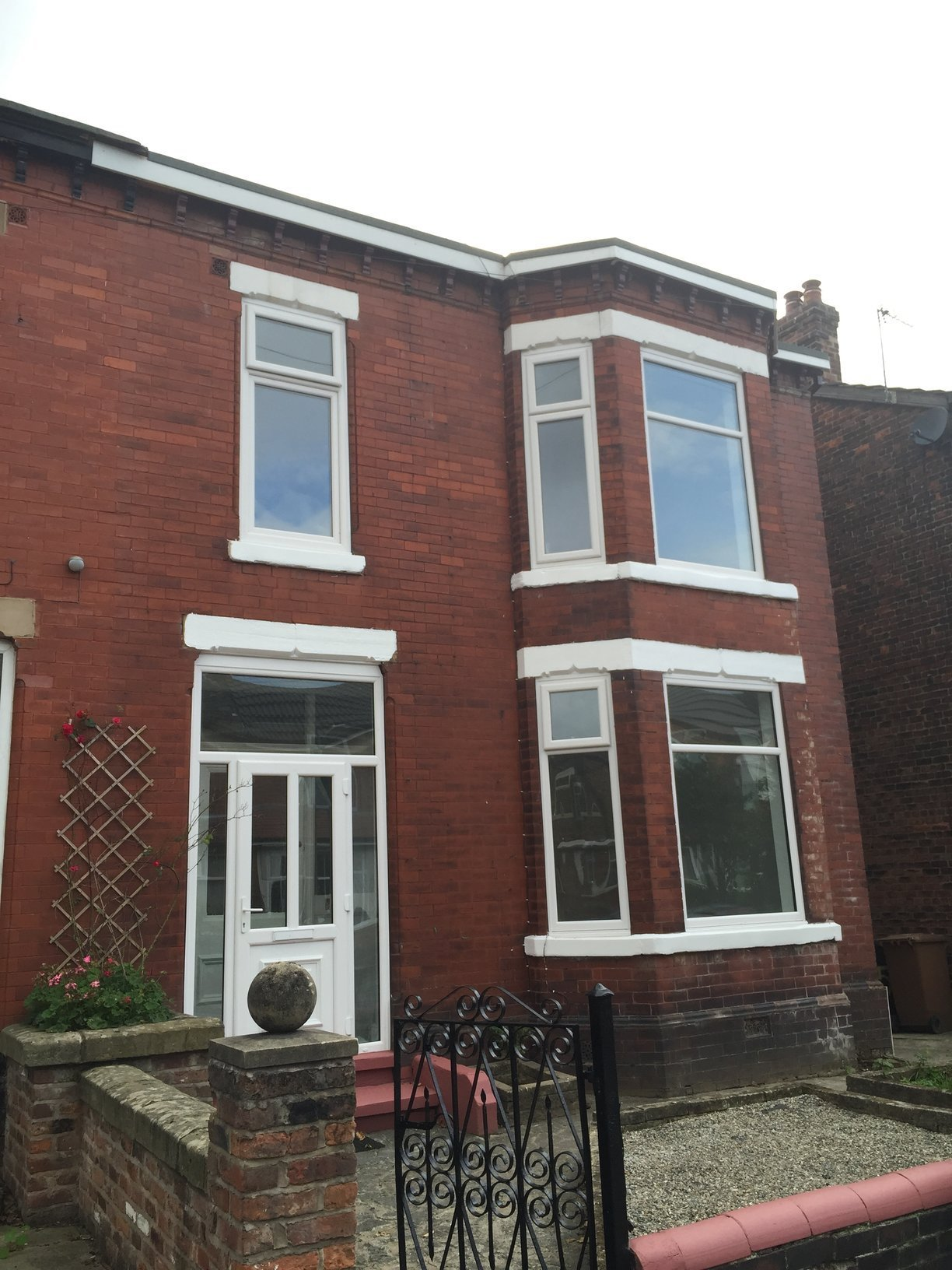 Best 4 Bed House Semi Detached To Rent Glenfyne Road Salford M6 7Gf With Pictures