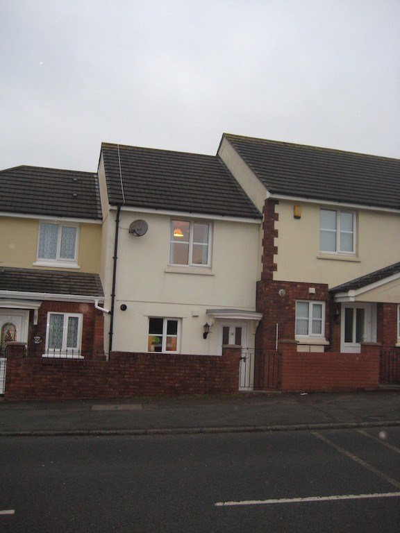 Best 2 Bed House Terraced To Rent Teignmouth Road Torquay With Pictures
