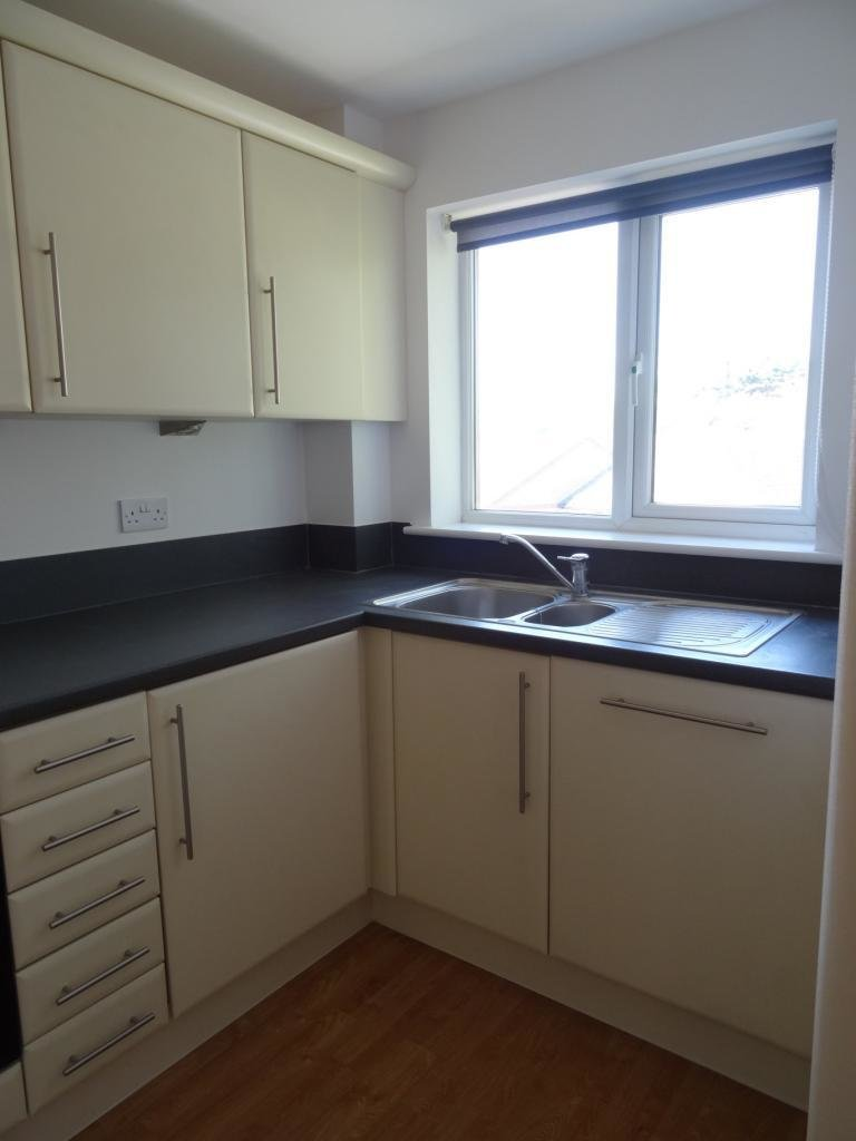 Best 1 Bed Flat To Rent Osborne Street Slough Sl1 1Pp With Pictures