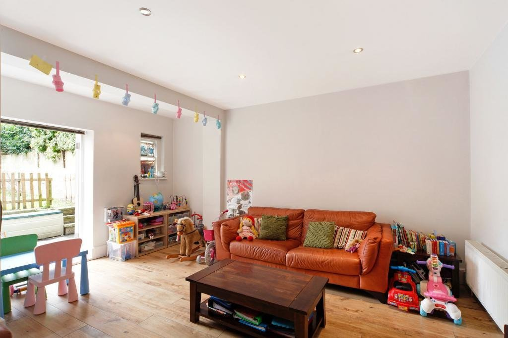 Best 2 Bed Flat To Rent Glazbury Road London W14 9As With Pictures