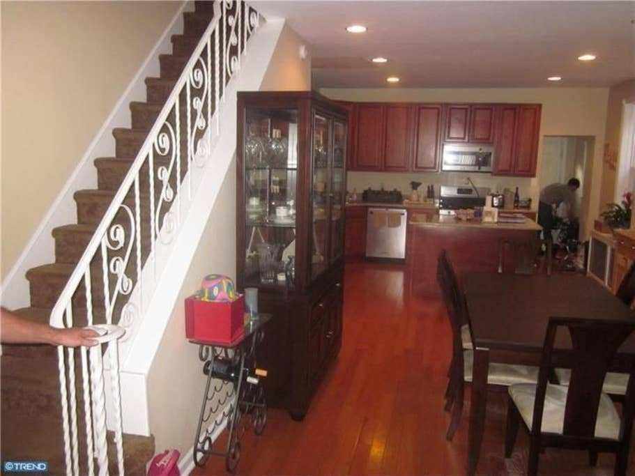 Best Spacious 3 Bedroom Home Available Houses For Rent In Philadelphia Pennsylvania United States With Pictures