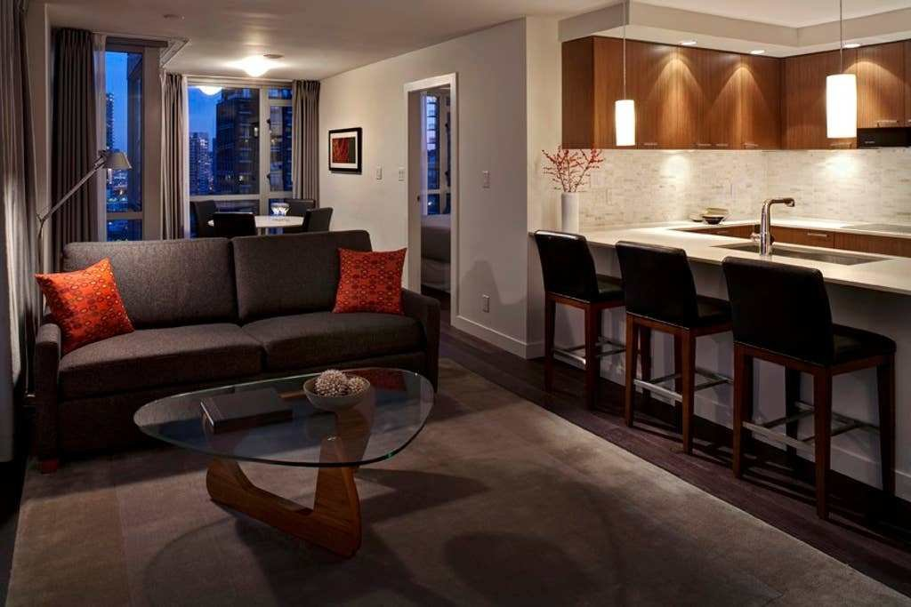 Best Two Bedroom Yaletown Apartment Suite Apartments For Rent With Pictures