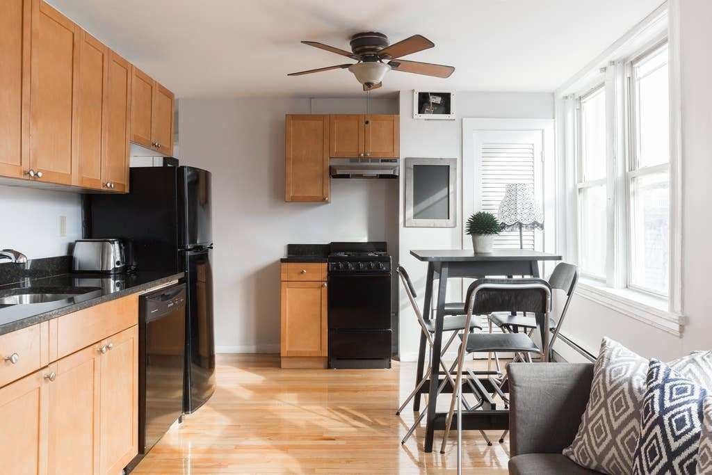 Best North End Split Two Bedroom King Bed Apartments For With Pictures
