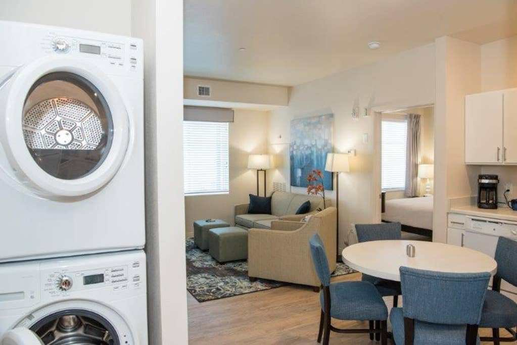 Best Furnished 1 Bedroom Waterwalk Centennial Serviced With Pictures