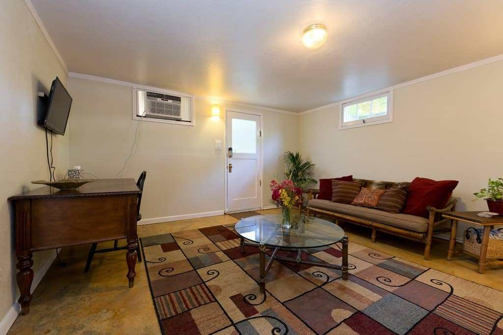 Best Basement Apt By Downtown Bikes Included Apartments With Pictures