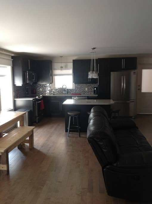 Best Downtown 1 Bedroom Luxury Apartment Apartments For Rent In Fredericton New Brunswick Canada With Pictures