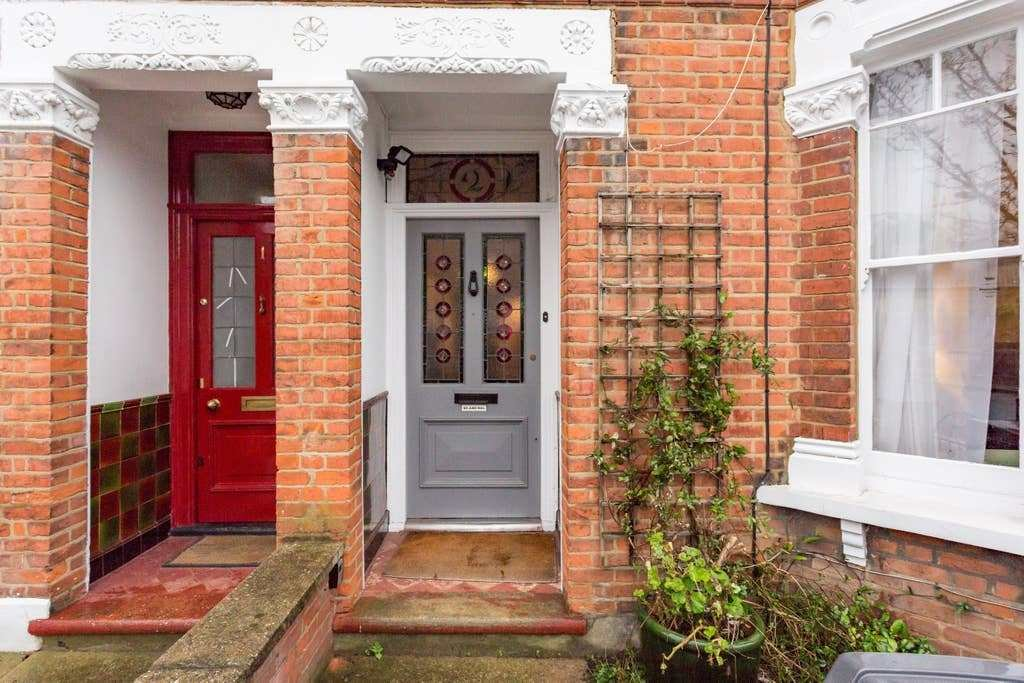 Best Three Bedroom House In Hendon Houses For Rent In London England United Kingdom With Pictures