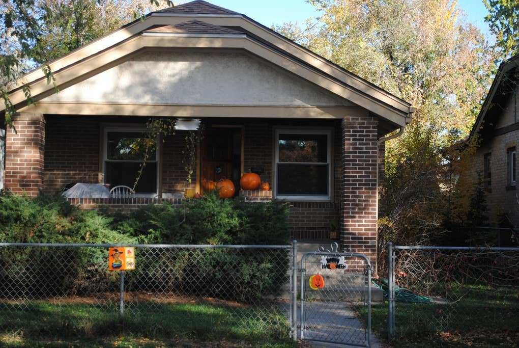 Best Your Denver Get Away 3 Bedroom 2 Bath House Houses For With Pictures