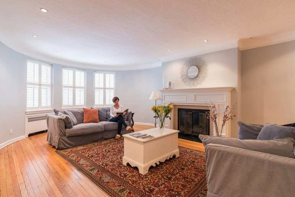 Best Spacious 2 Bedroom 2 Bath Apt In Shaker Heights With Pictures