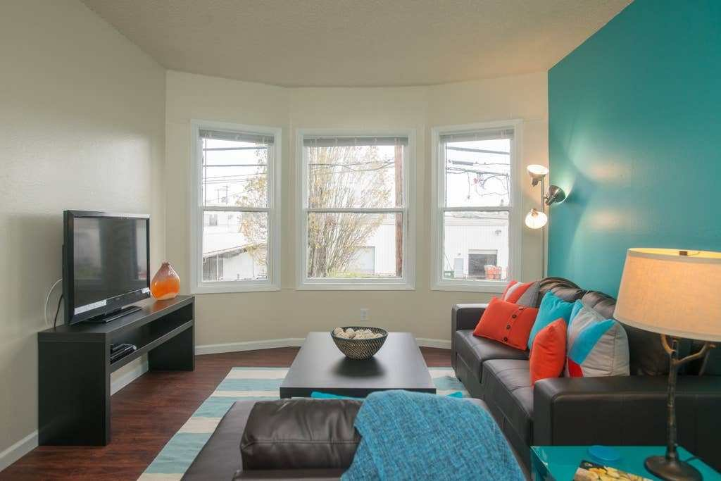 Best Nw Portland One Bedroom Hideaway Apartments For Rent In With Pictures