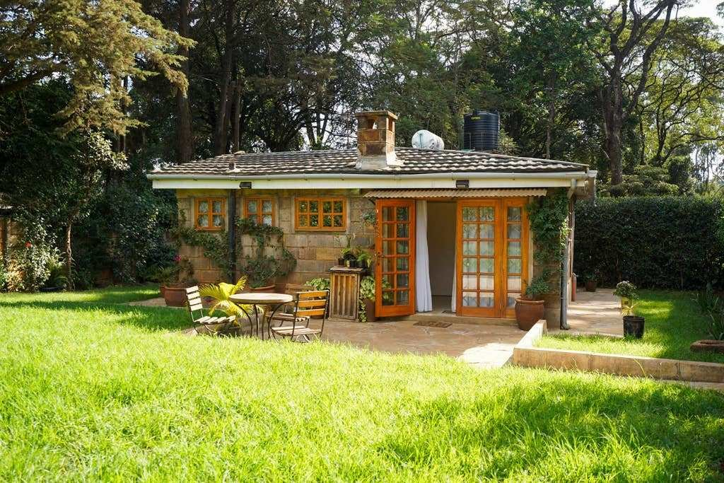 Best Charming 2 Bedroom Guest Cottage Guesthouses For Rent In With Pictures