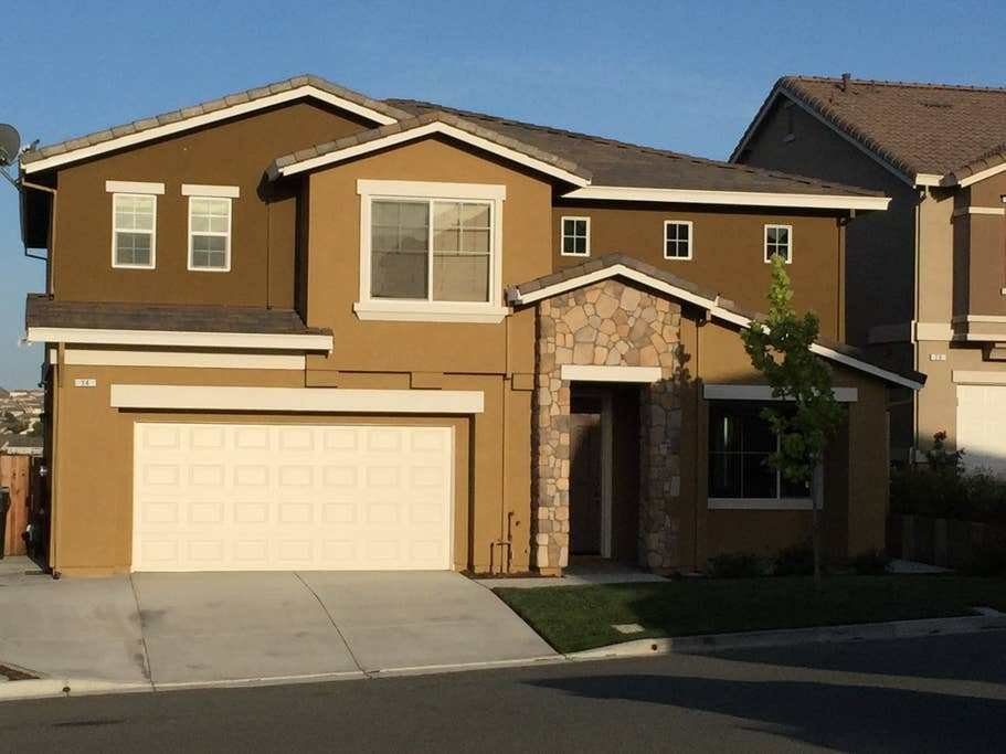 Best 4 Bedroom 3 Bath Whole House Houses For Rent In Pittsburg California United States With Pictures