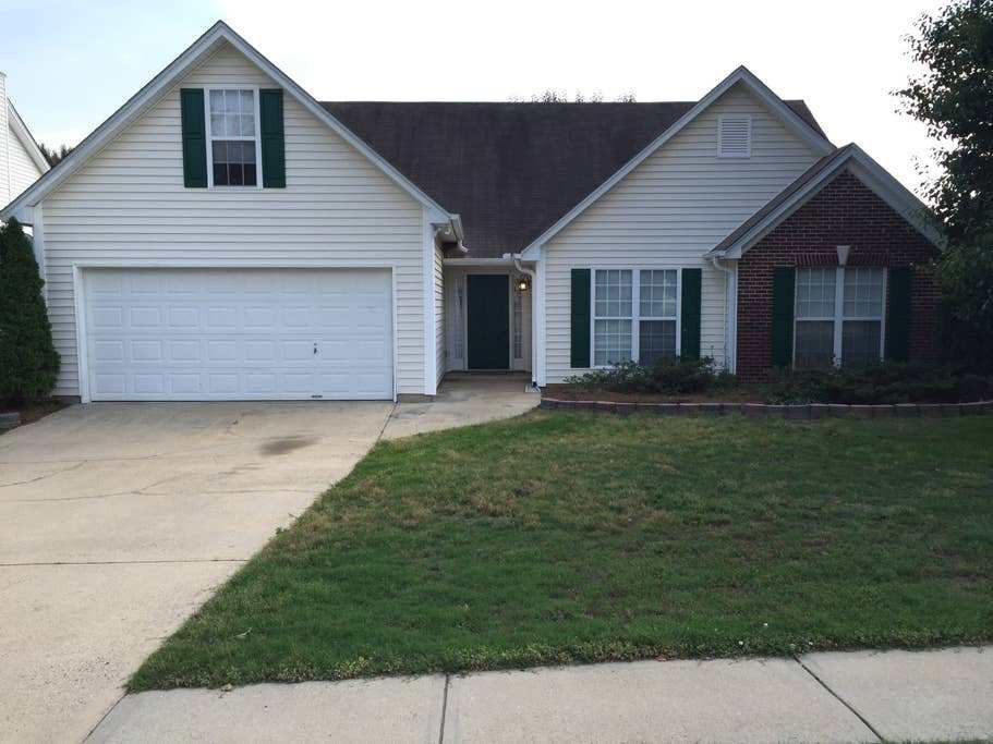 Best 4 Bedroom Ranch Near I 85 And Mall Of Georgia Houses For With Pictures