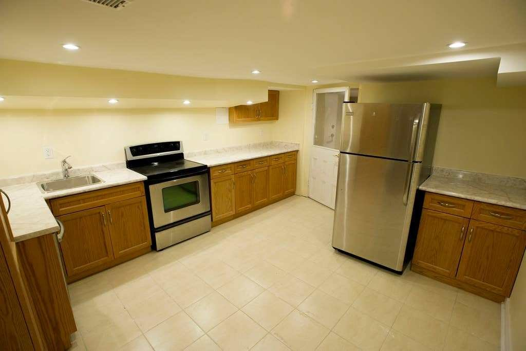 Best Newly Renovated Basement Apartment Apartments For Rent With Pictures