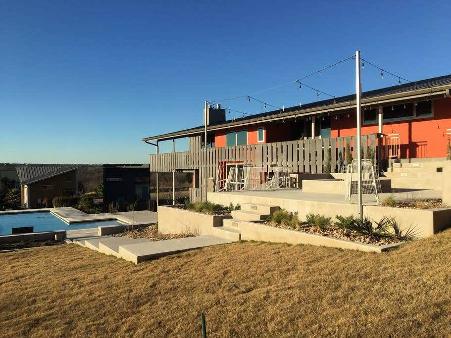 Best 3 Bedroom W Pool Firepit And Views Of Downtown Houses For Rent In Austin Texas United States With Pictures
