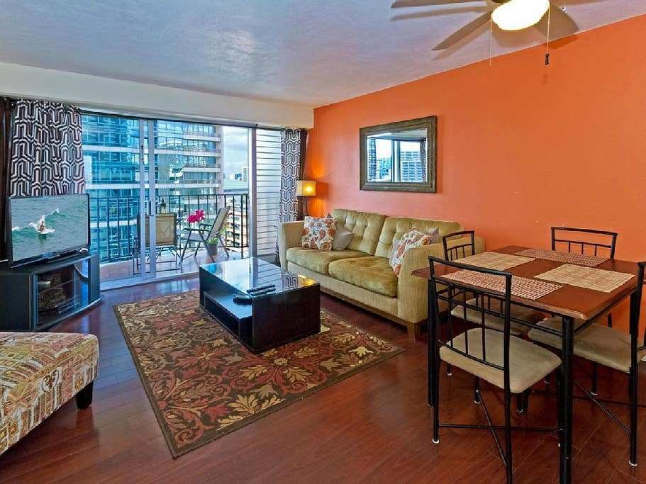 Best Cozy 2 Bedroom Waikiki Vacation Rental Unit Apartments With Pictures