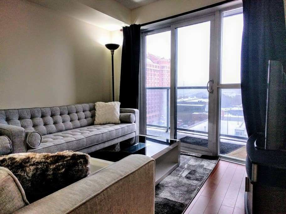 Best Spacious Modern 2 Bedroom Condo Apartments For Rent In With Pictures