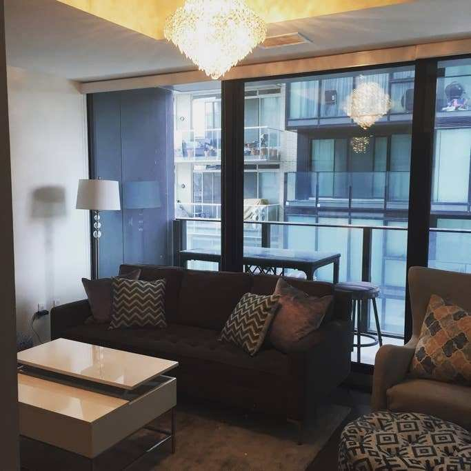Best New 2 Bedroom Condo Downtown Toronto On King West With Pictures