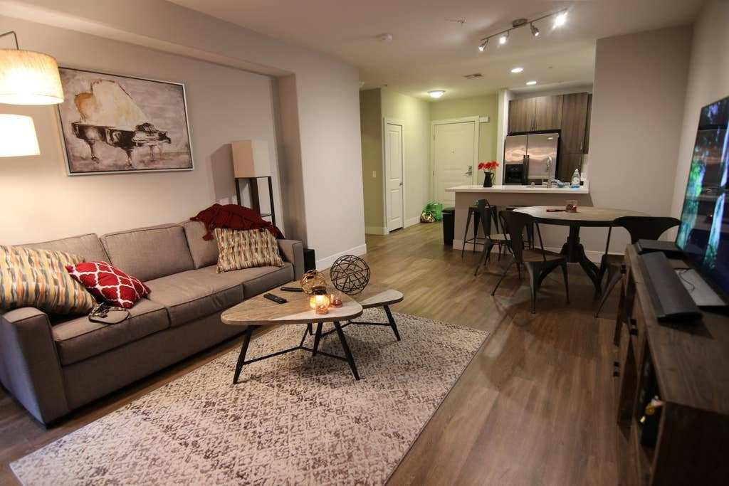 Best Amazing 1 Bedroom Apt Near Ucla Best Price Apartments With Pictures