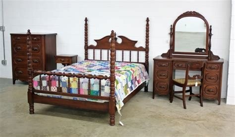 Best 5 Pcs Lillian Russell Walnut Davis Bedroom Suite With Pictures
