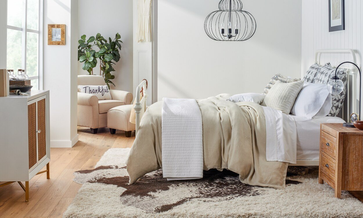 Best 5 Ideas To Choose The Perfect Bedroom Area Rug Overstock Com With Pictures