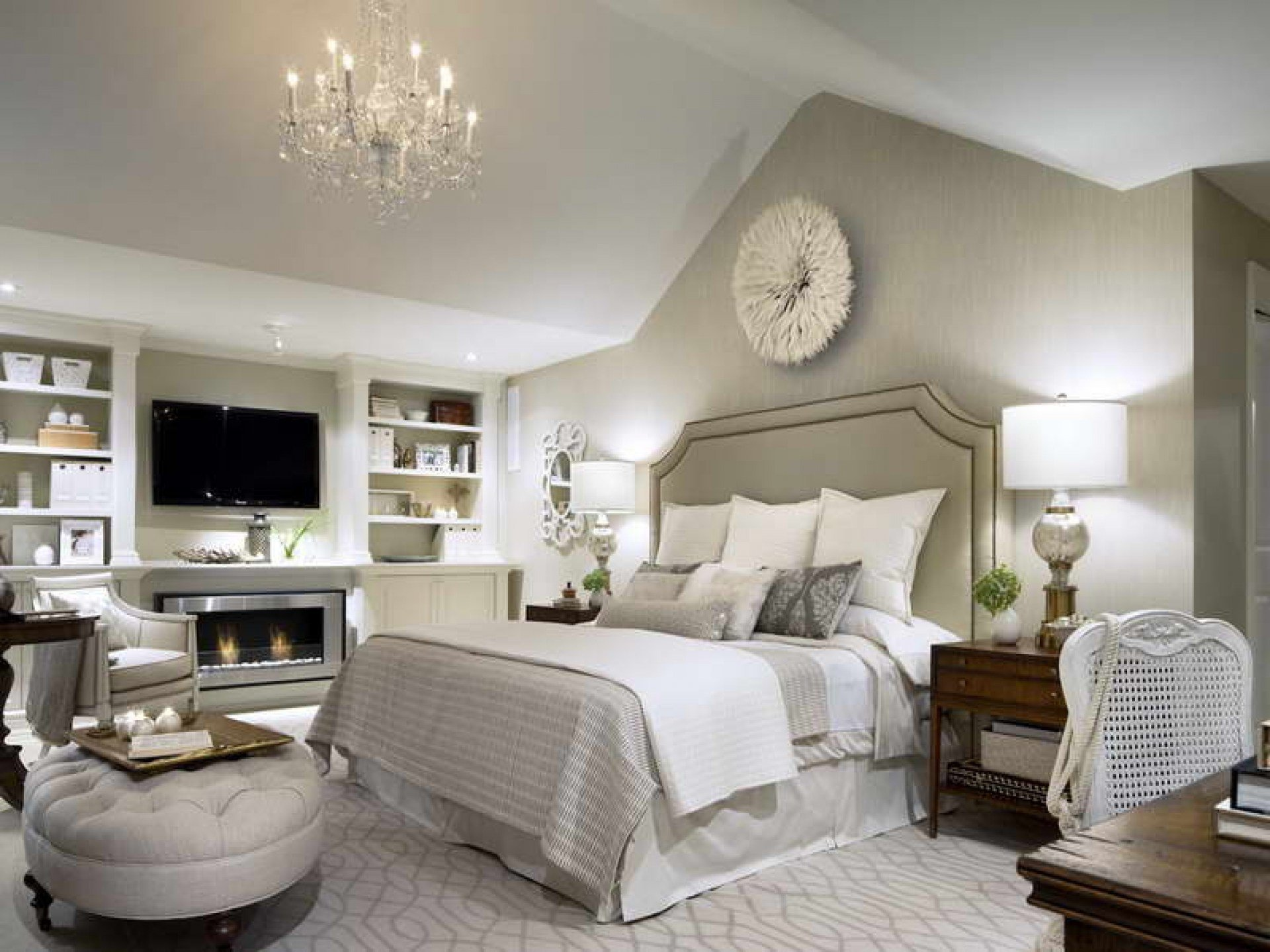 Best Beautiful Monochromatic Colors Schemes Of Master Bedrooms With Pictures