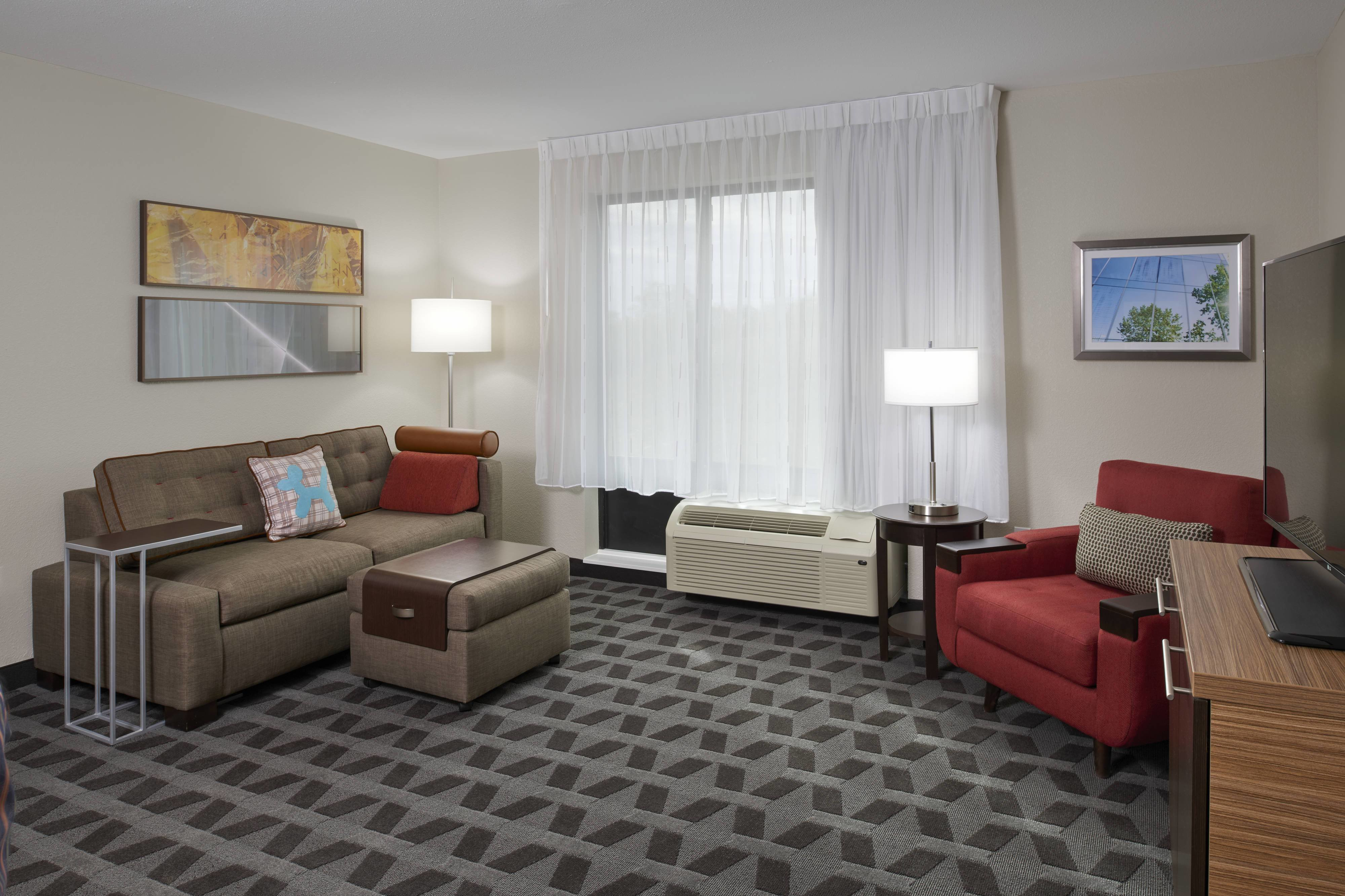 Best Hotel Rooms Amenities Towneplace Suites Richmond With Pictures