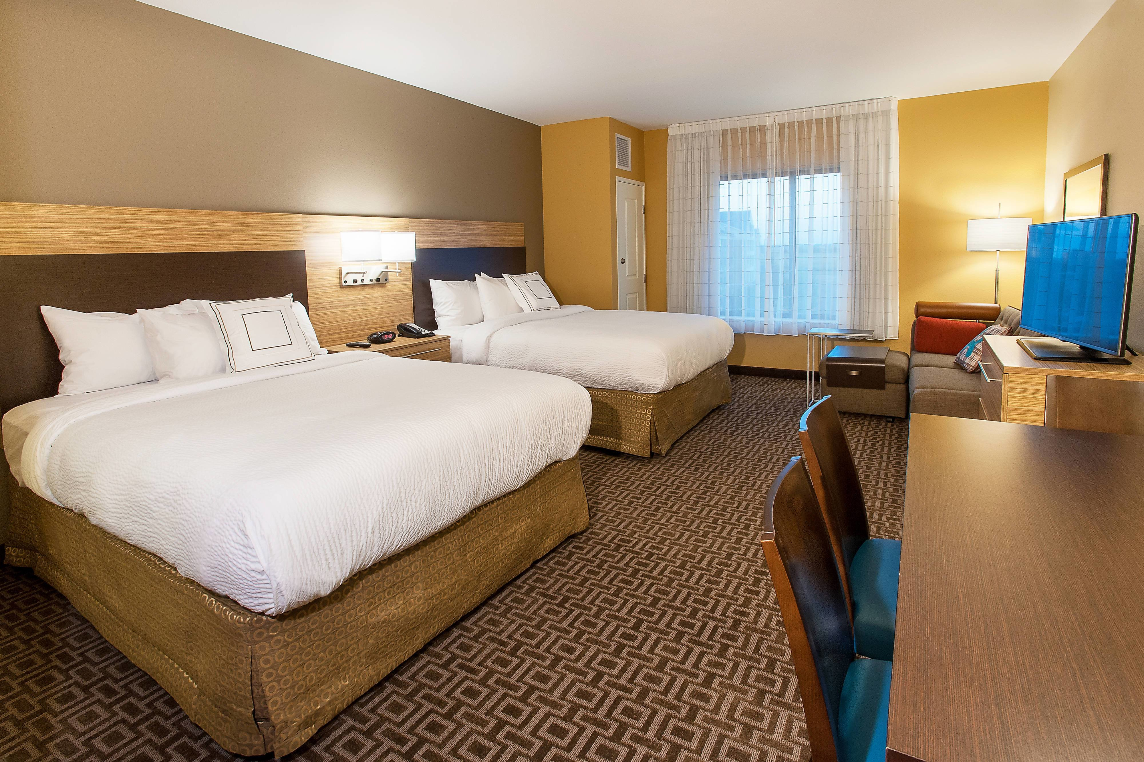 Best Extended Stay Bloomington Hotels Towneplace Suites With Pictures