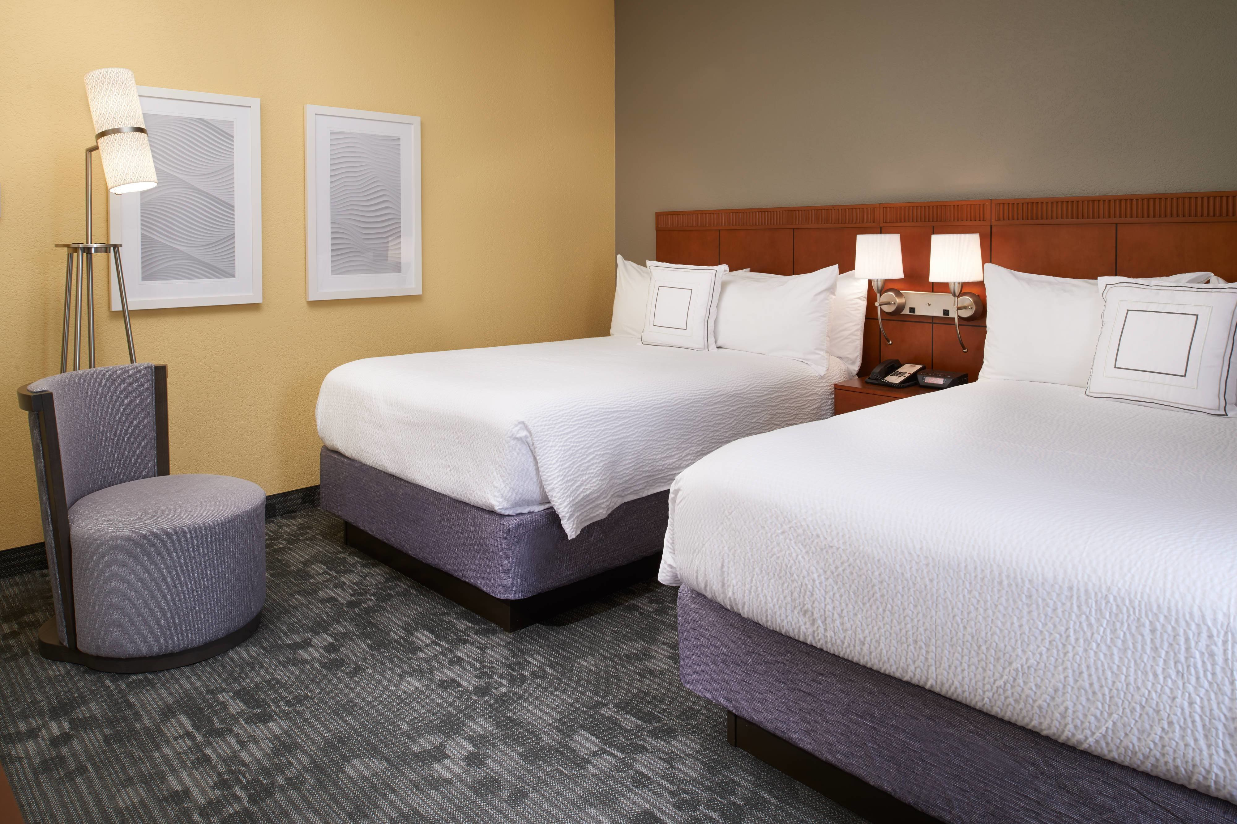 Best Hotel Suites In Maryland Heights Mo Courtyard St Louis With Pictures