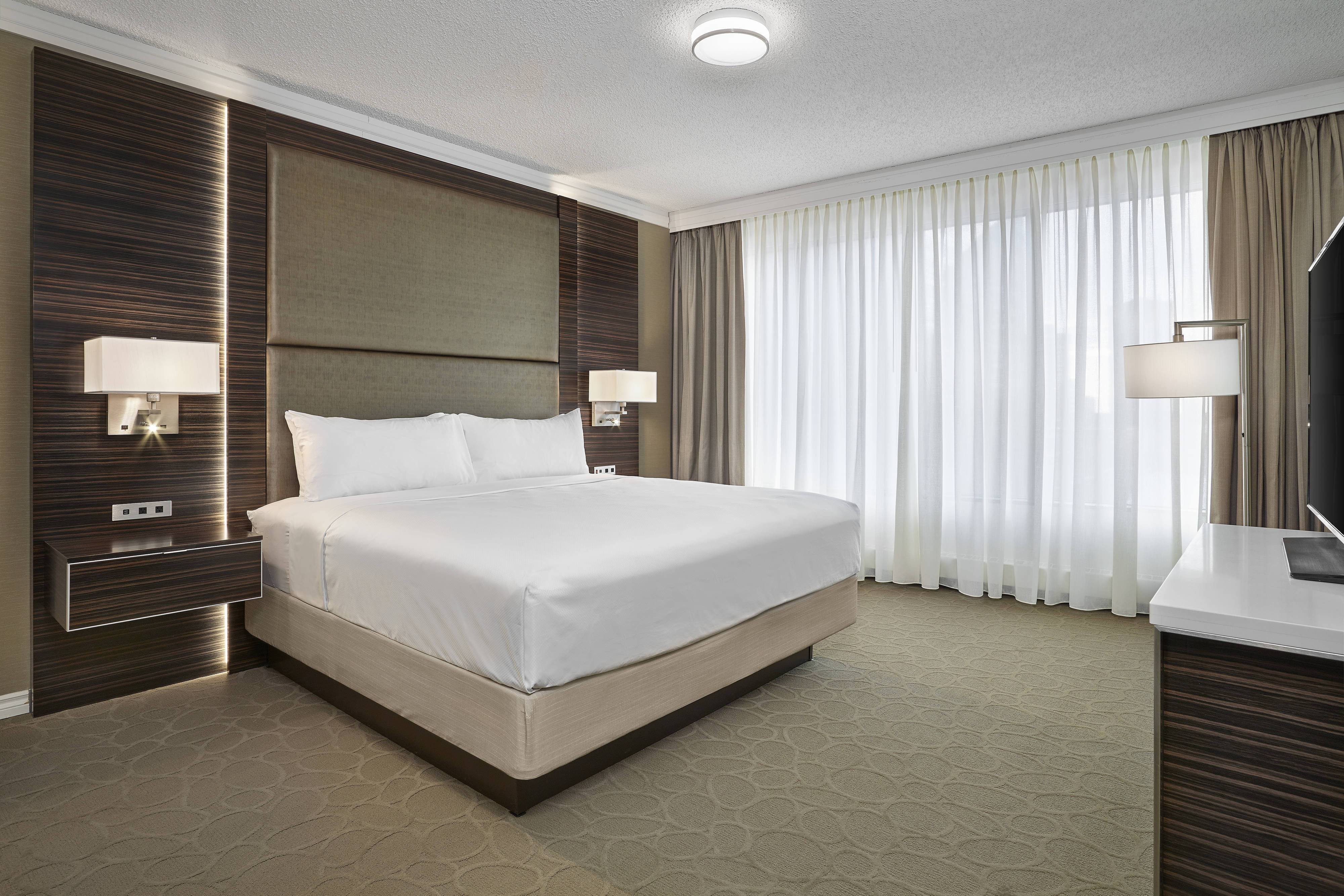 Best Edmonton Suites And Alberta Hotel Rooms Delta Hotels With Pictures