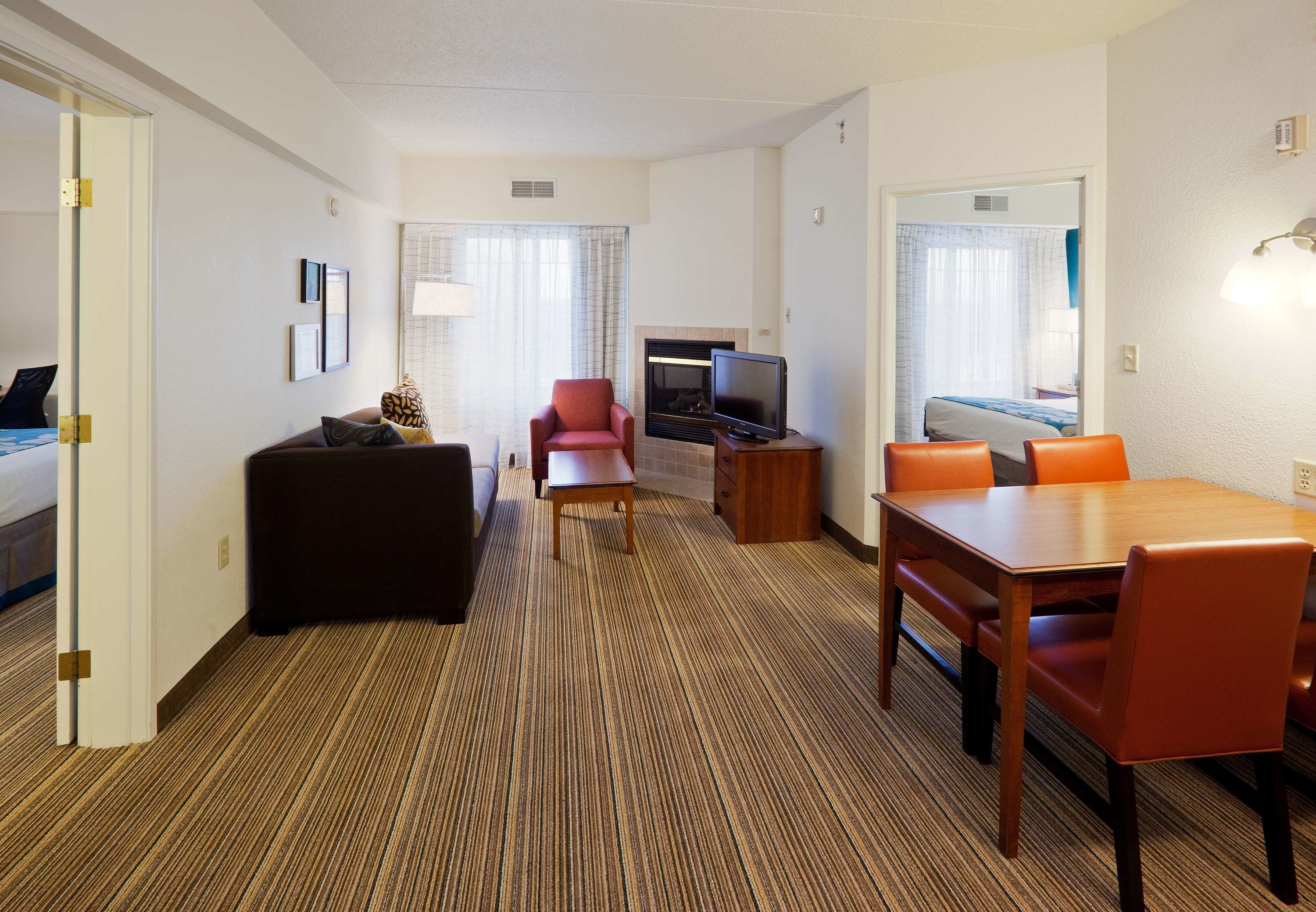 Best Pet Friendly Extended Long Term Stay Hotel In Oak Brook Il With Pictures