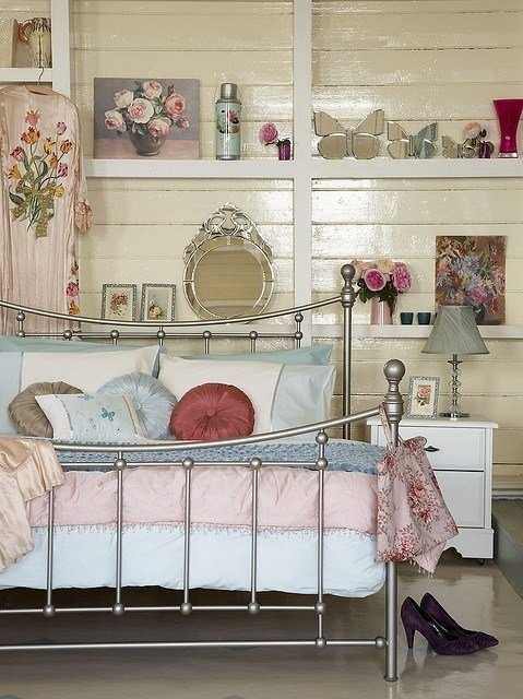 Best Cute Ways To Create A Vintage Style Bedroom My Thrifty With Pictures