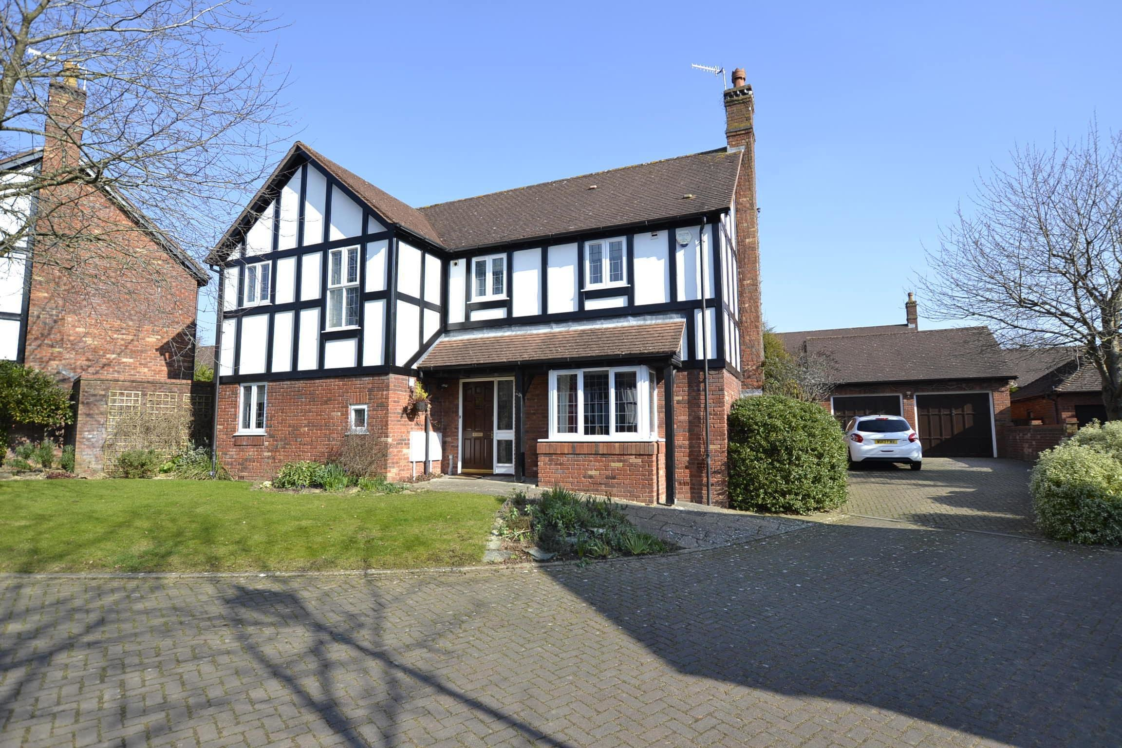 Best 4 Bedroom Detached House Holmwood Gardens Bristol Bs9 3Eb With Pictures