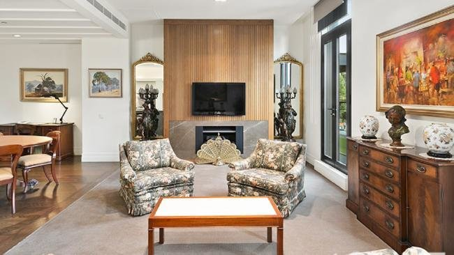 Best One Bedroom Apartment In Melbourne For Sale With A 1 8M With Pictures