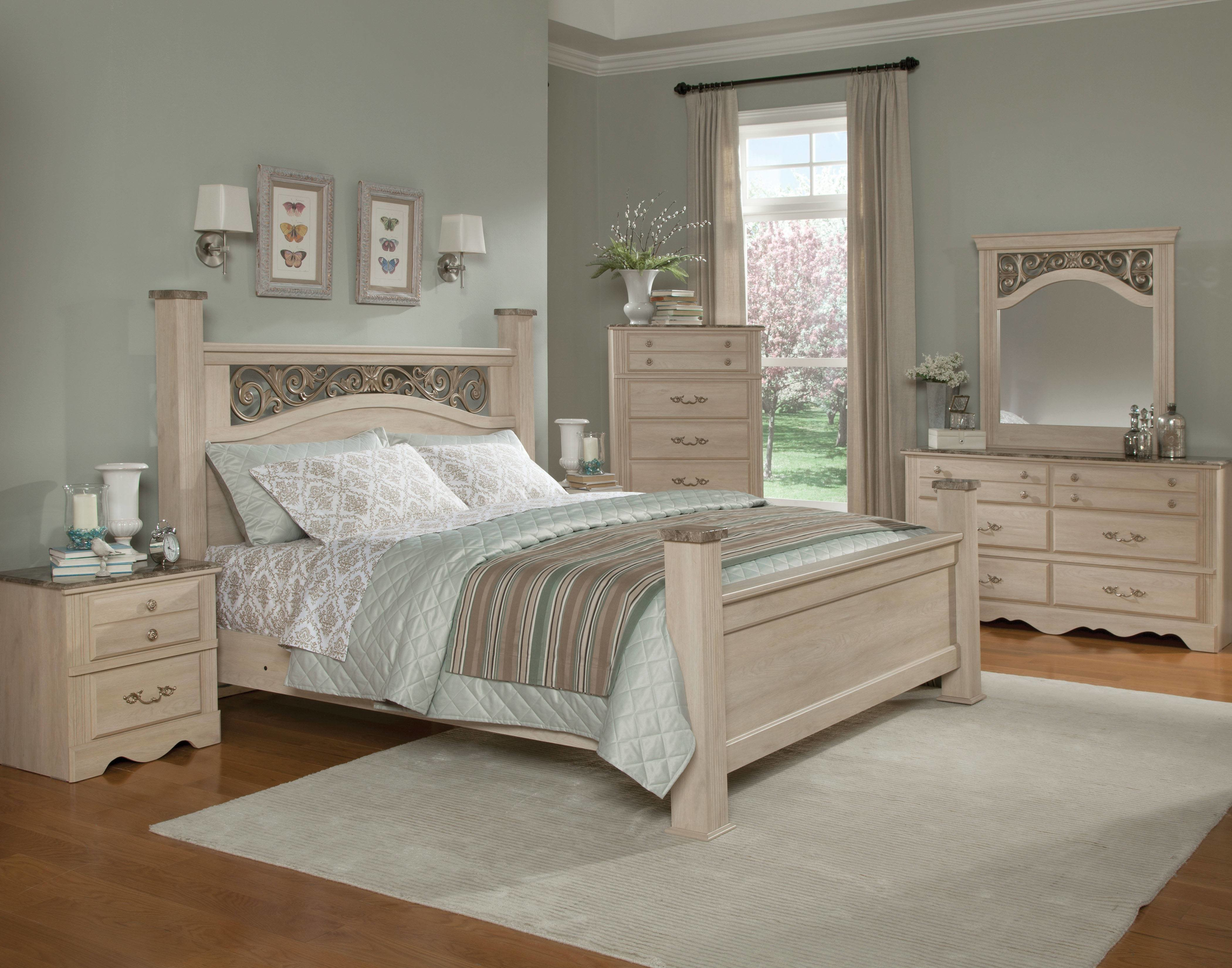 Best Torina Traditional Cream Wood 5Pc Bedroom Set W Queen With Pictures