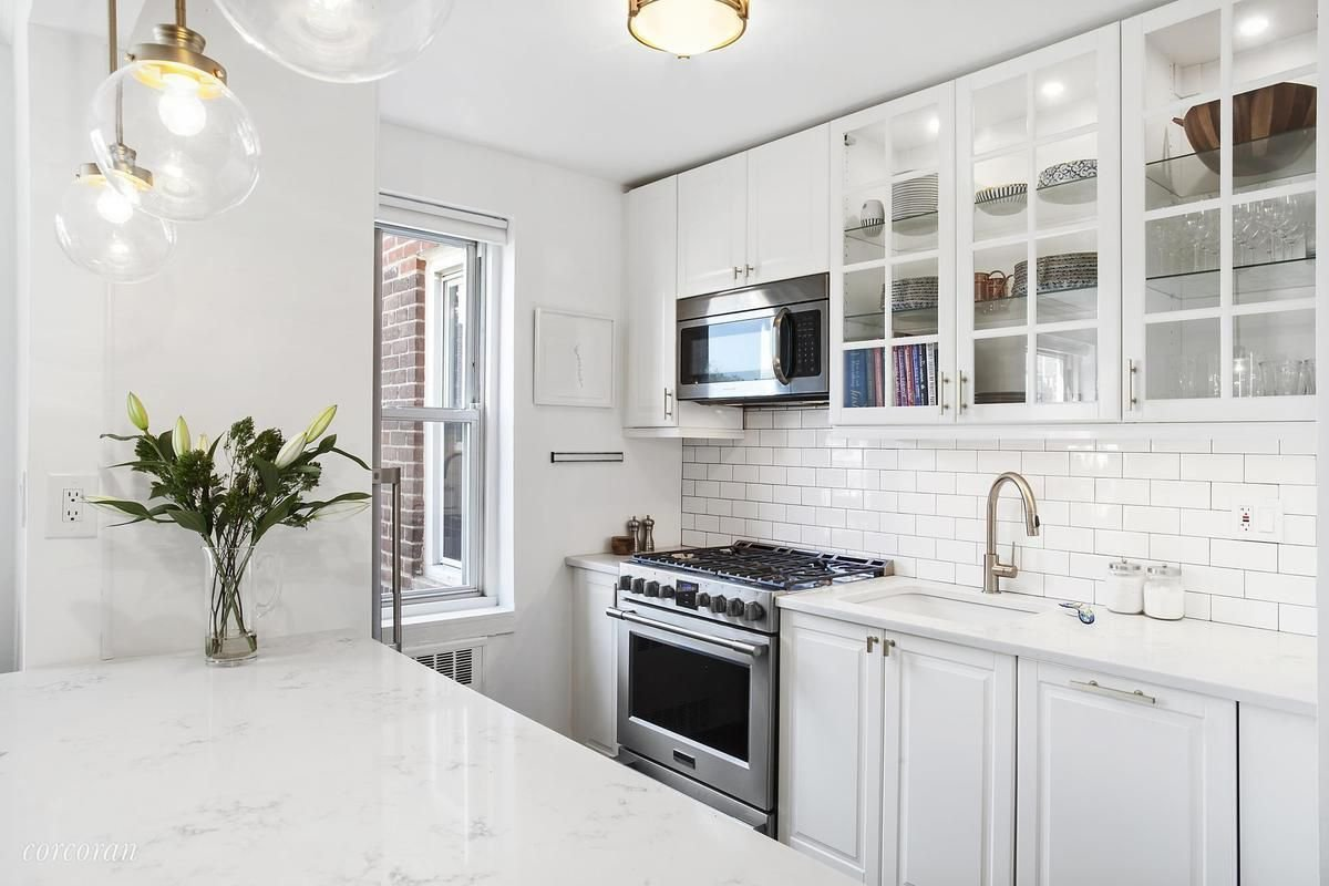 Best Sunny Cobble Hill One Bedroom With A Dreamy Kitchen Wants With Pictures