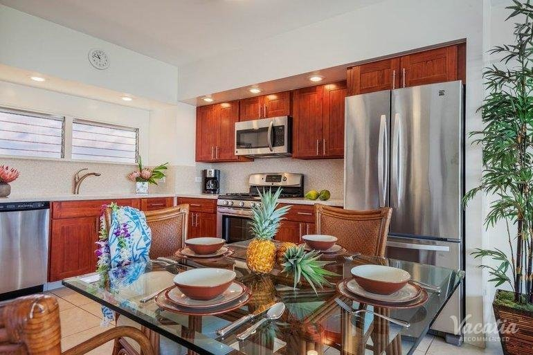 Best Deluxe Two Bedroom Two Bath Ocean View Castle Waikiki With Pictures