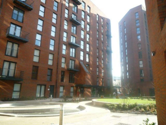 Best Sillavan Way Salford 2 Bedroom Apartment To Rent M3 With Pictures