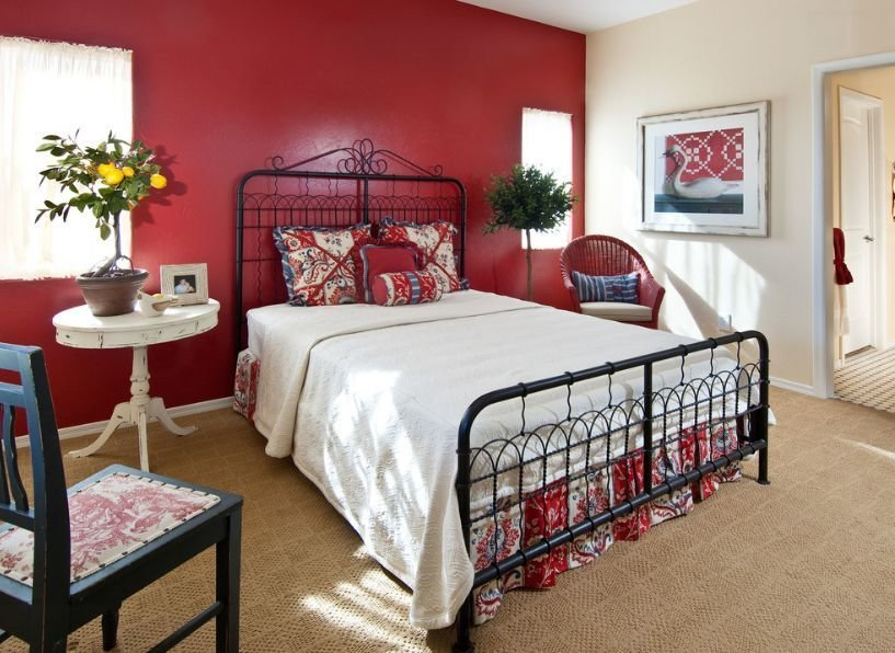 Best How To Decorate A Bedroom With Red Walls With Pictures