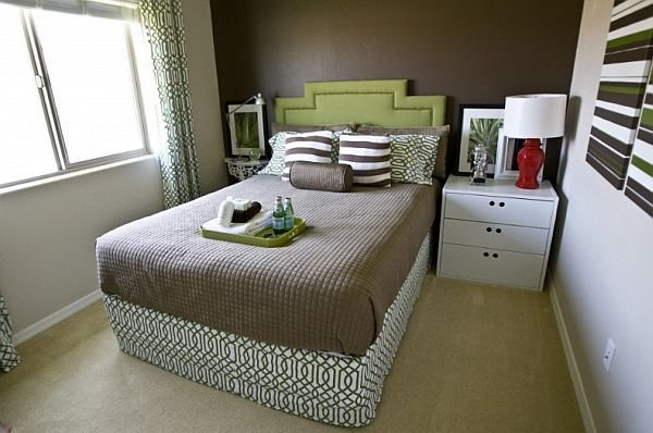 Best How To Arrange Furniture In A Small Bedroom With Pictures