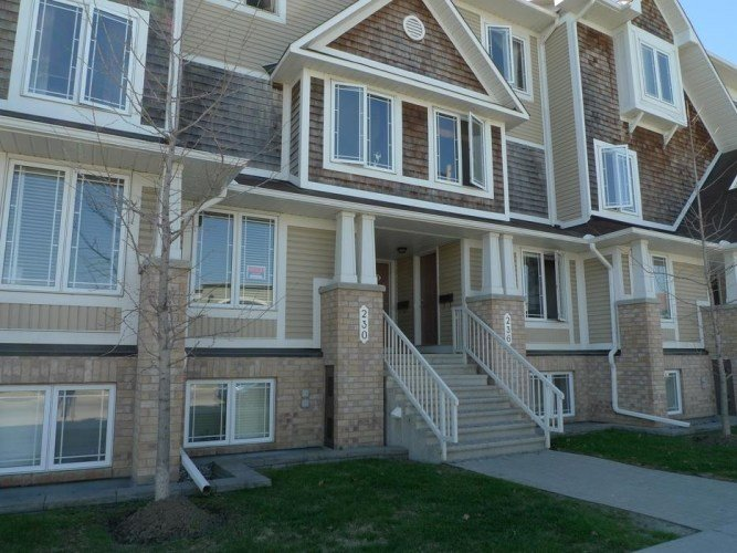 Best Barrhaven 2 Bedroom Condo Terrace Home For Rent In Maple With Pictures