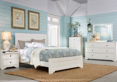 Best Belcourt White 5 Pc Queen Panel Bedroom Bedroom Sets White With Pictures