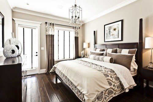 Best Dark Wood Floor Bed And Drapes Contrasts With Neutral Walls And Bedding Bedroom Cream With Pictures