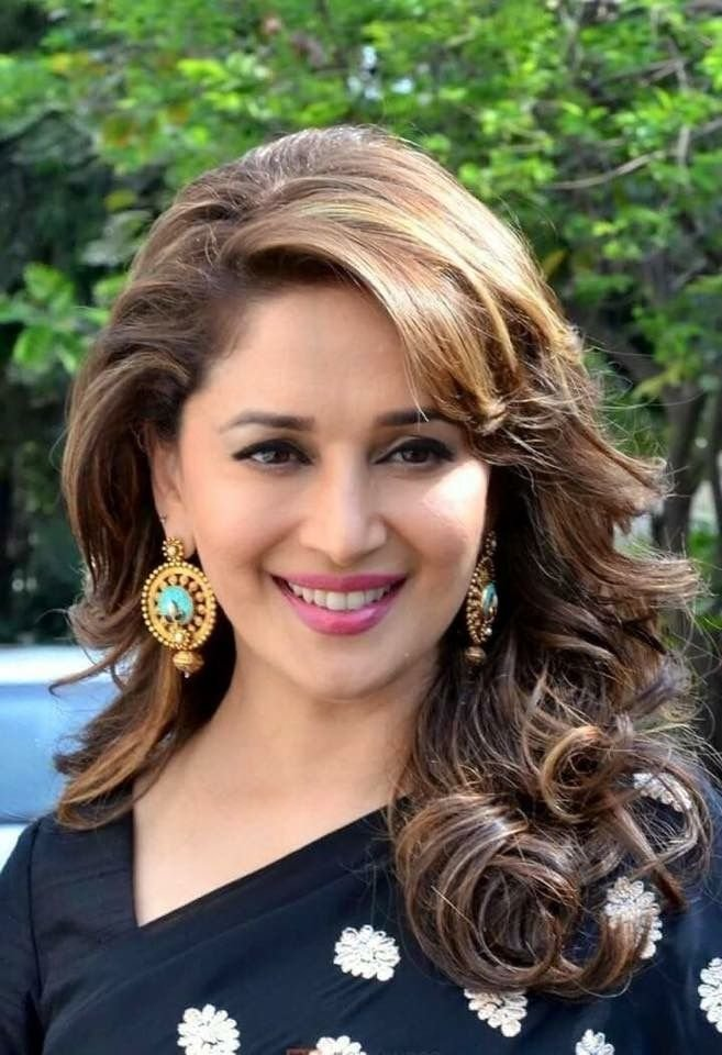 Free Best 25 Madhuri Dixit Saree Ideas On Pinterest White Wallpaper