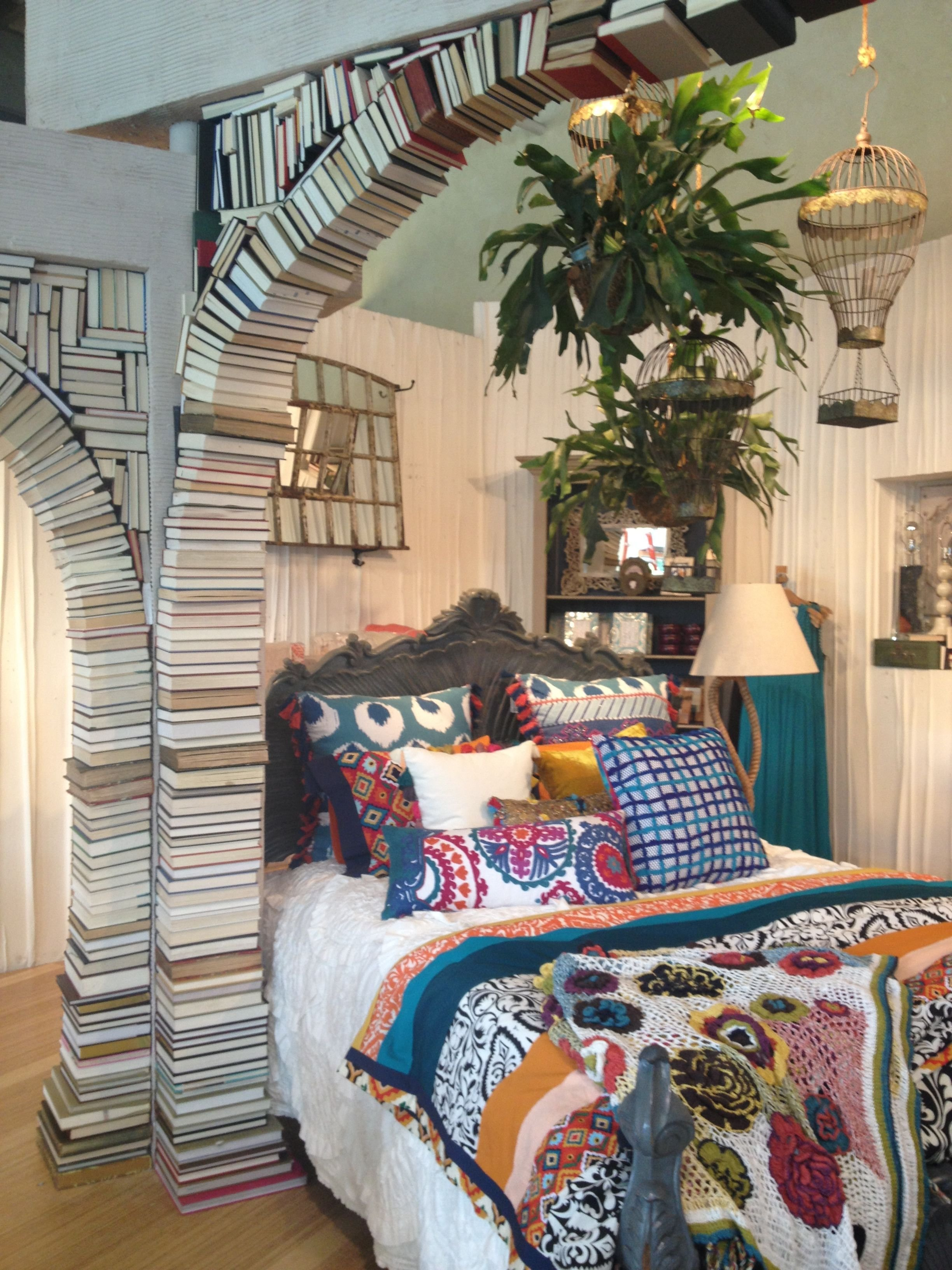 Best Anthropologie Display Book Arch Anthropologie Displays With Pictures