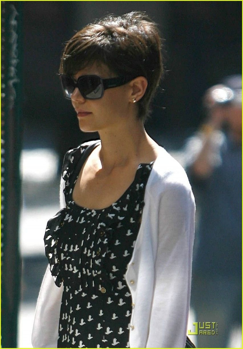 Free Katie Holmes Pixie I Love It Hair Do In 2019 Wallpaper