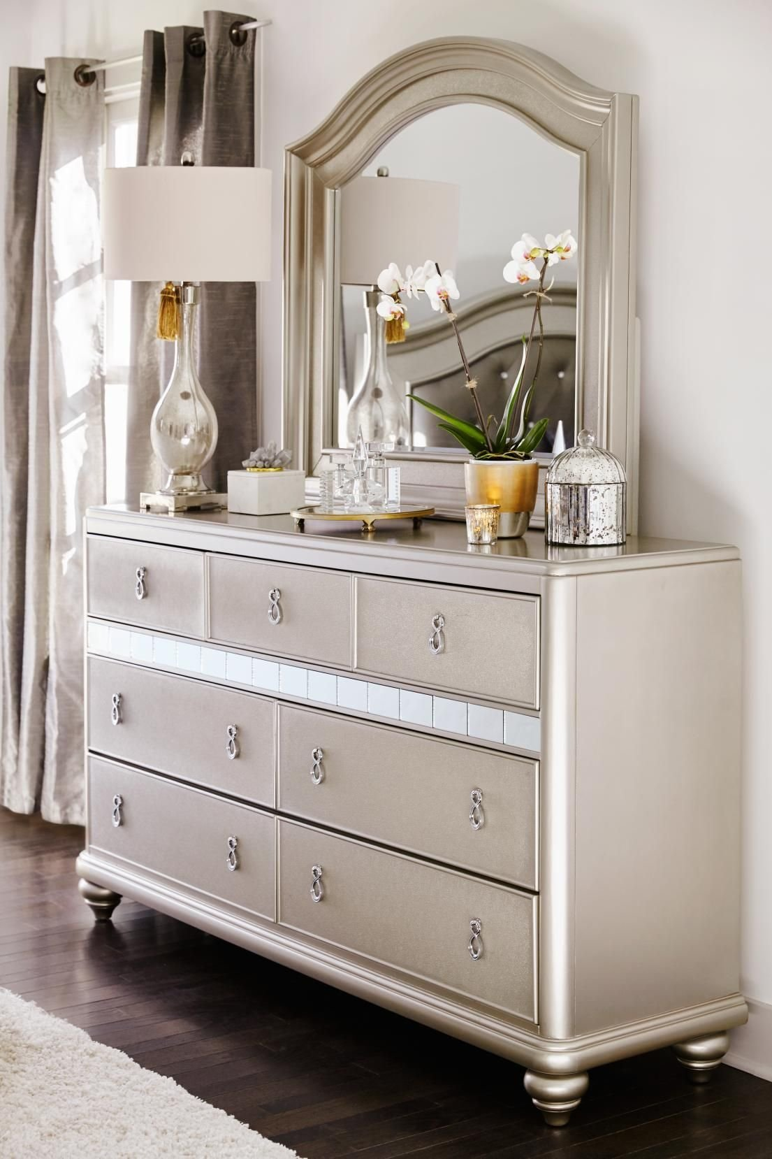 Best Super Glam Dresser With Mirror From Our Serena Collection With Pictures