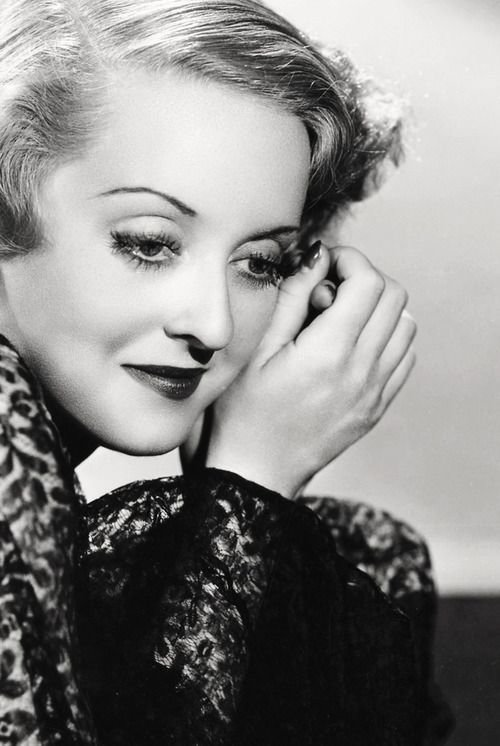 Best Bette Wonderful Pose Bedroom Eyes Bette Davis Eyes With Pictures