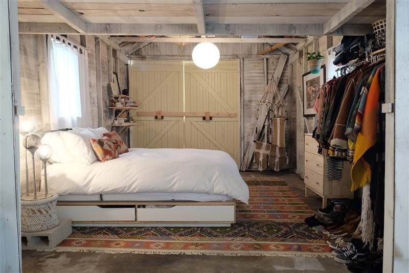 Best See A Dingy Garage Transform Into The Coolest Bedroom Ever With Pictures