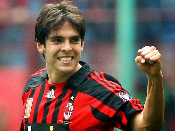Free Ricardo Kaka New Hairstyle With Short And Long Hair Length Pictures Hairstylelover Ricardo Wallpaper